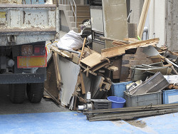 粗大ごみ・原状回復・解体工事